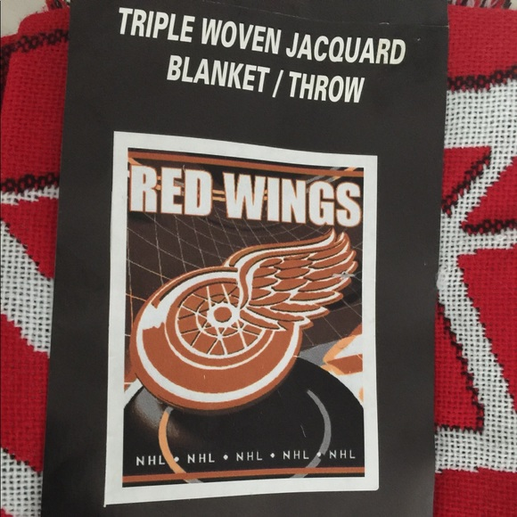Accessories Red Wings Blanket Throw Poshmark Stunning Red Wings Throw Blanket